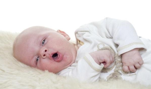 Trẻ 1 tháng bị ho
