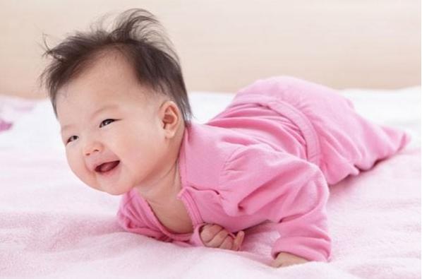 CHăm sóc trẻ sơ sinh 3 tháng