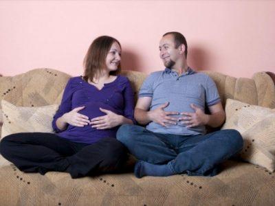 Làm Sao Để Khắc Phục Hiện Tượng Chồng Ốm Nghén Thay Vợ? Bác Sĩ Trả Lời