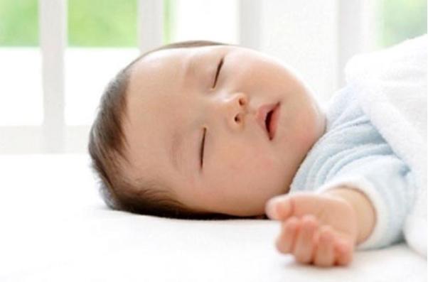 Tổng Hợp Các Vấn Đề Thường Gặp Ở Trẻ 4 Tháng Tuổi Mà Mẹ Nên Biết 1