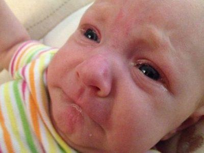 Nguyên Nhân Trẻ Sơ Sinh Bị Đau Mắt Và Cách Điều Trị Hiệu Quả Mẹ Nên Biết