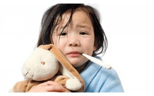 Trẻ sốt cao không co giật
