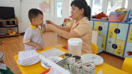 Trẻ bị nhiễm giun sán