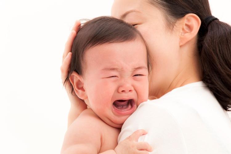 Trẻ sơ sinh khóc đêm