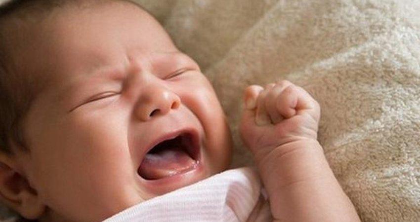 Trẻ Sơ Sinh Khóc Đêm Có Sao Không, Nguyên Nhân, Cách Xử Lý