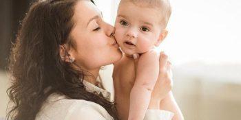 Cách Chăm Sóc Trẻ Sơ Sinh 2 Tháng Tuổi: Những Điều Cần Biết