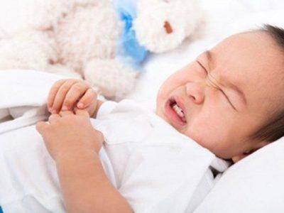 Trẻ 2 Tuổi Bị Nôn Nhiều Không Sốt: Bố Mẹ Phải Làm Sao?