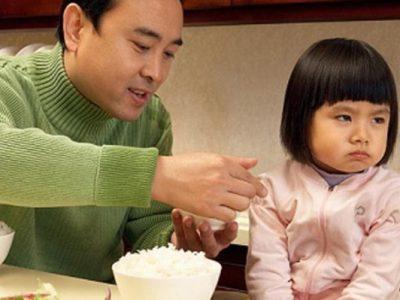 Bé 2 Tuổi Biếng Ăn Phải Làm Sao? Cách Lên Thực Đơn Cho Trẻ