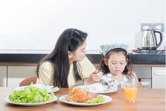 Trẻ 3 tuổi biếng ăn