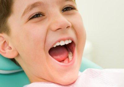 Mẹ Cần Làm Gì Khi Trẻ 6 Tuổi Mọc Răng Hàm Bị Sốt?