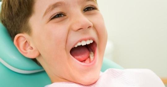 Trẻ 6 tuổi mọc răng