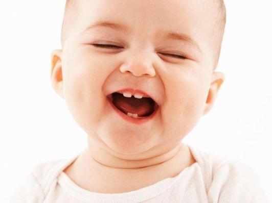 Dấu Hiệu Trẻ Mọc Răng Hàm Và Cách Chăm Sóc Cho Bé Đỡ Đau