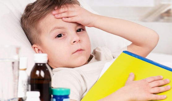 Trẻ mọc răng uống thuốc gì