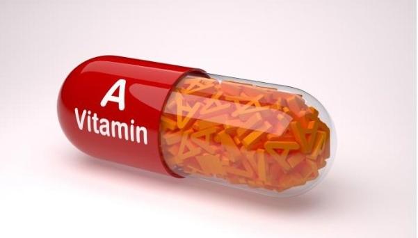 Trẻ uống Vitamin A