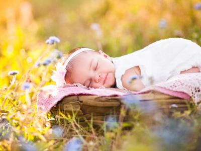 Bí Quyết Tắm Nắng Cho Trẻ Sơ Sinh Đúng Cách Dành Cho Mẹ