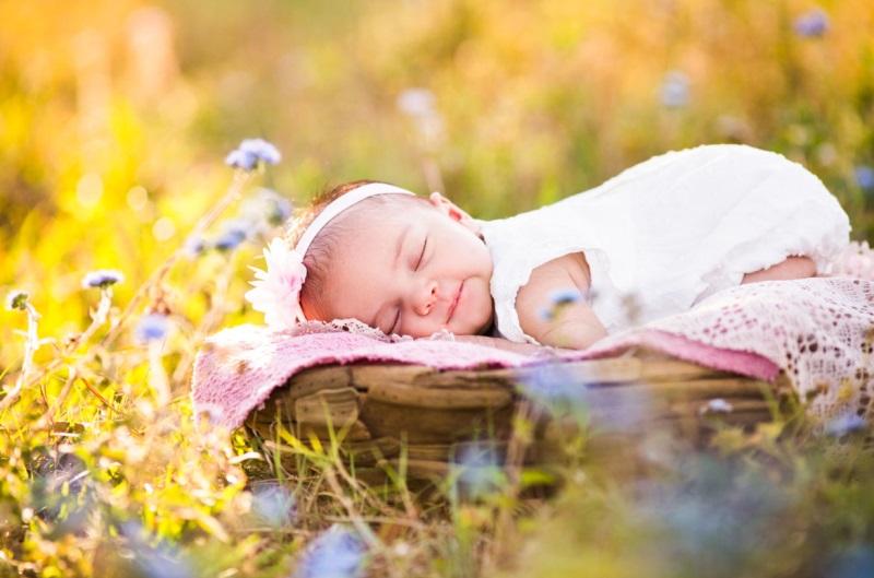 Bí Quyết Tắm Nắng Cho Trẻ Sơ Sinh Đúng Cách Dành Cho Mẹ 1