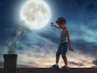 Trẻ Bị Mộng Du, Điều Bất Thường Này Có Đáng Lo Ngại?