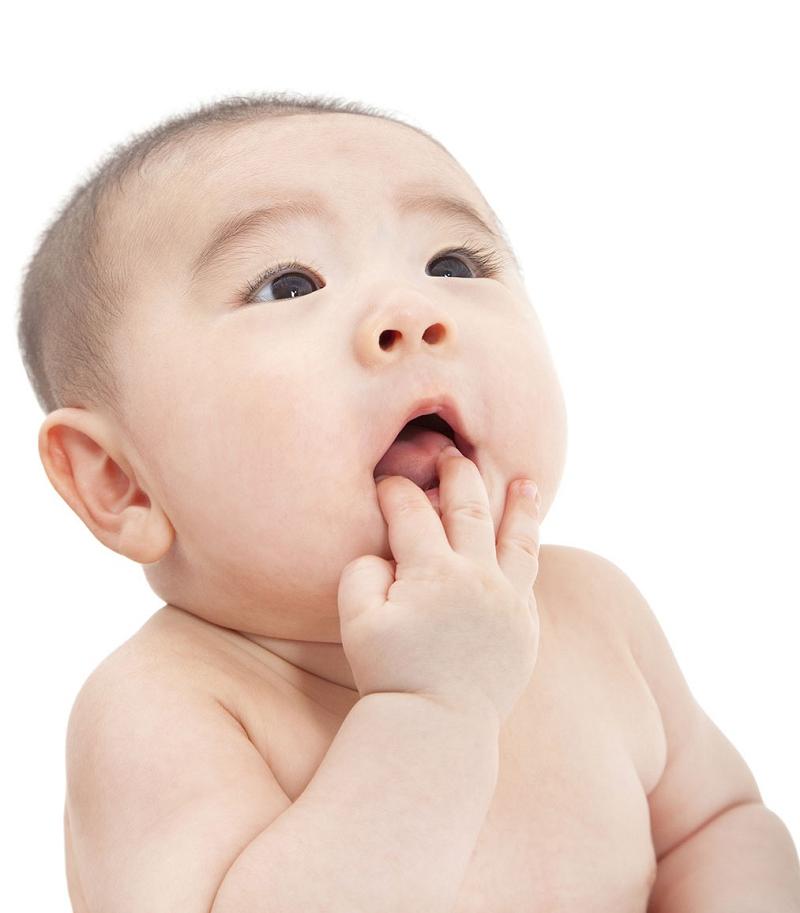 Trẻ Sơ Sinh Bị Khô Môi Có Đáng Lo Ngại? Khắc Phục Như Thế Nào? 2
