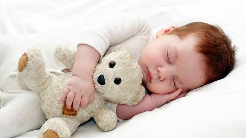 Trẻ Sơ Sinh Ngủ Ít Vào Ban Ngày, Mẹ Phải Làm Sao Để Giúp Bé Ngủ Ngon Hiệu Quả? 1